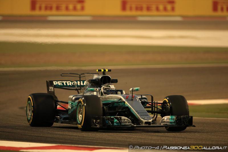 F1 | GP Bahrain, Bottas in pole! Hamilton 2°, Vettel 3°