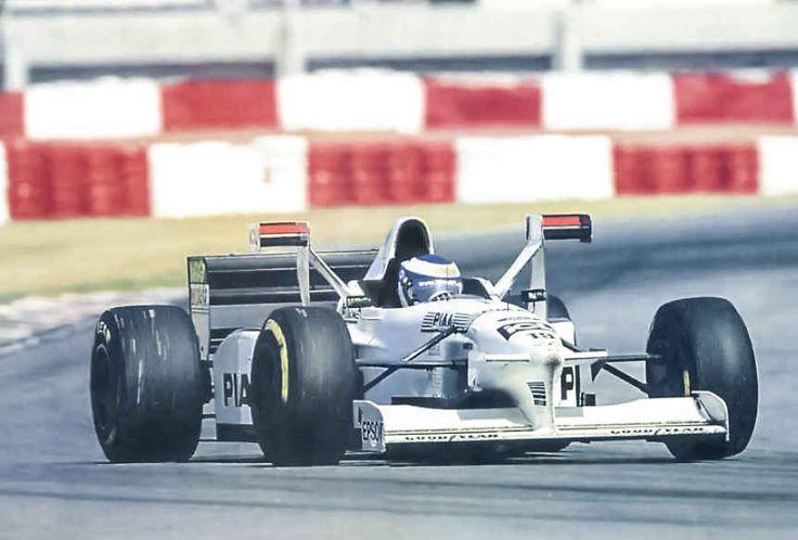 Tyrrell 025: i primi