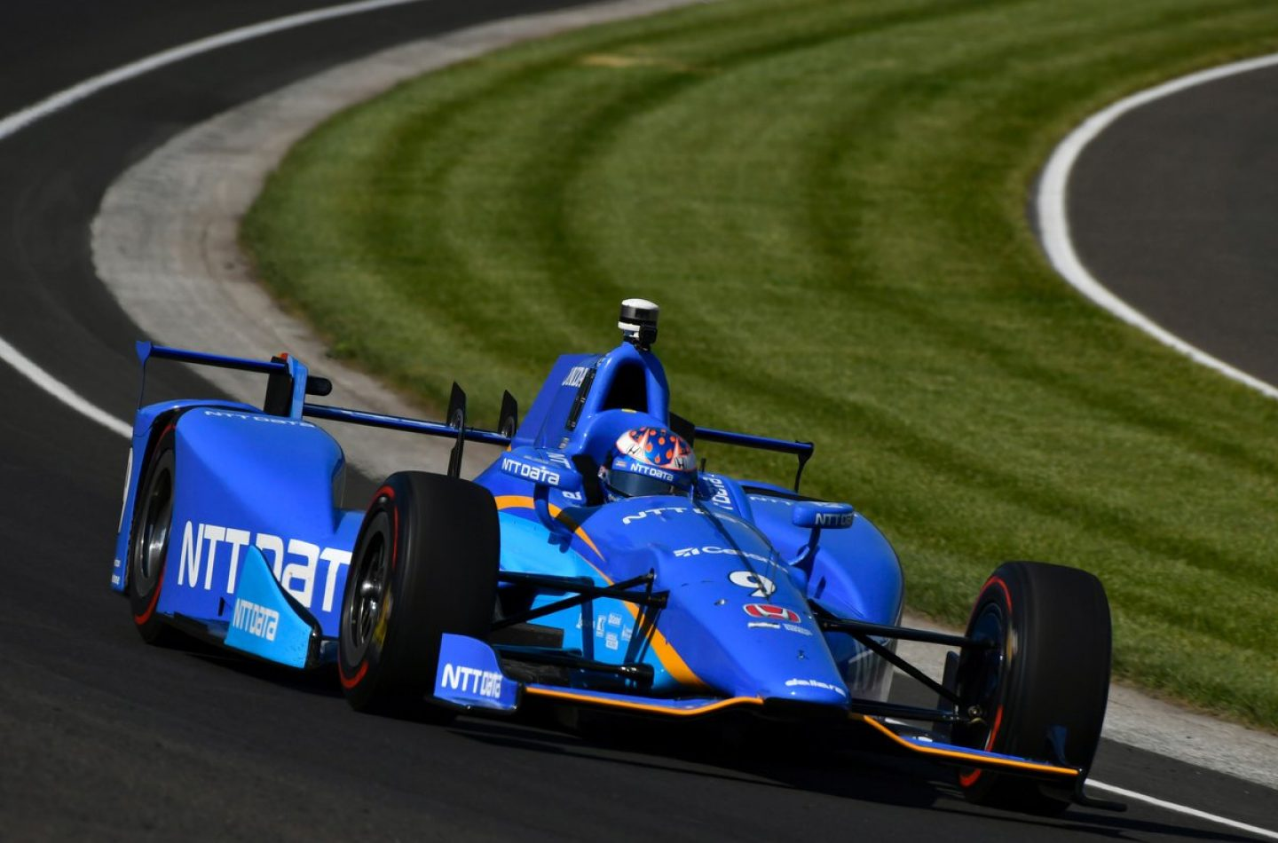 Indycar | Dixon in pole ad Indianapolis. Alonso 5°