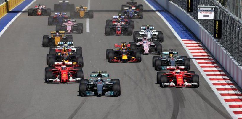 """<span class=""""entry-title-primary"""">La Formula 1 in Italia e il rischio crollo</span> <span class=""""entry-subtitle"""">La Rai molla, le gare partono un'ora dopo e le dirette in chiaro arriveranno a fine stagione.</span>"""