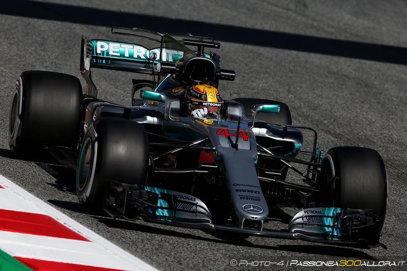 F1   GP Spagna: Mercedes domina la FP1, Hamilton al comando