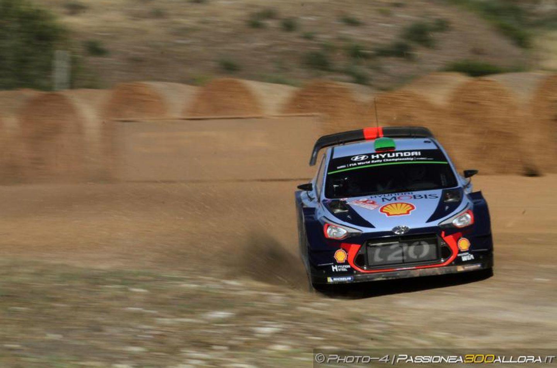 WRC   Sardegna: Meeke out, Paddon si porta al comando