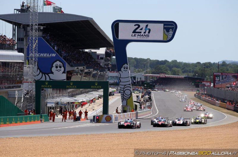 WEC   Le Mans: Toyota #7 in fuga, Porsche cerca di resistere