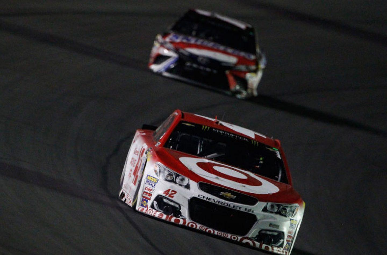NASCAR | Vettura irregolare, penalizzato Kyle Larson in Kentucky