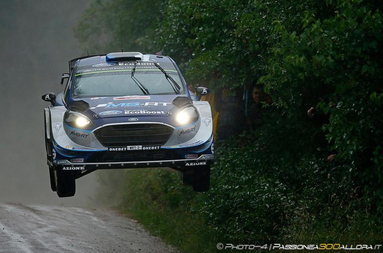 WRC | Polonia: Neuville e Tänak col brivido, Latvala out