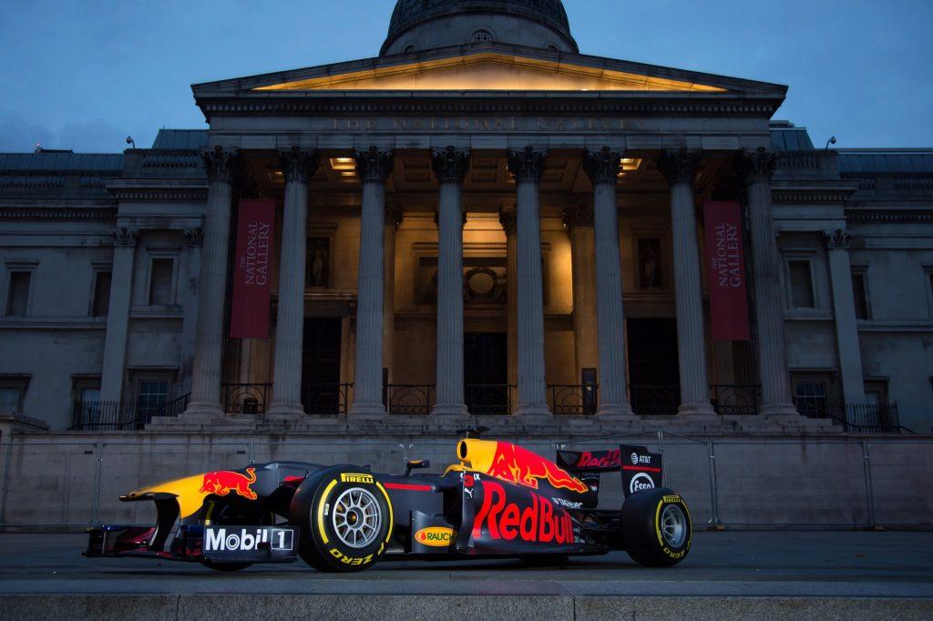 F1 | Le Formula 1 in esibizione oggi a Londra! [Diretta video]