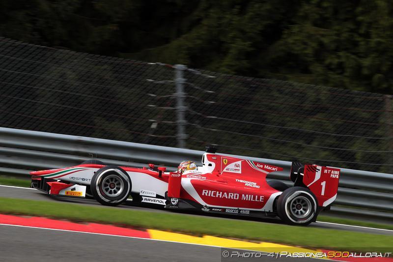 F2 | Belgio: Leclerc vola sotto la pioggia, sua la pole