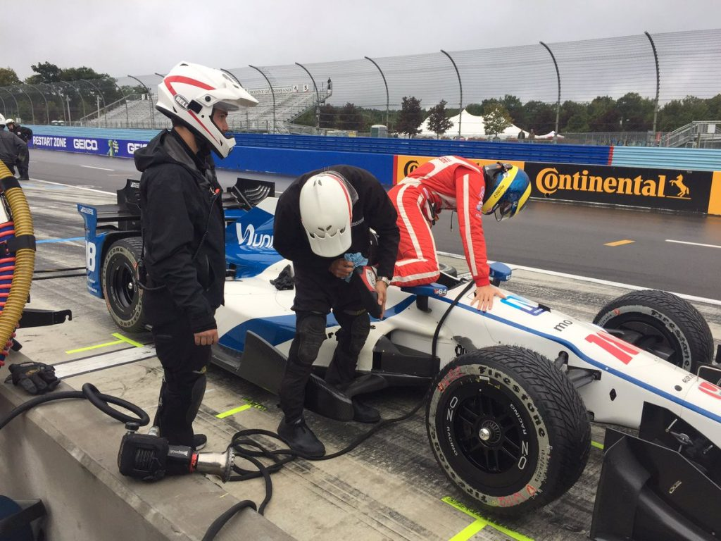 Indycar | Bourdais primo nel warm up