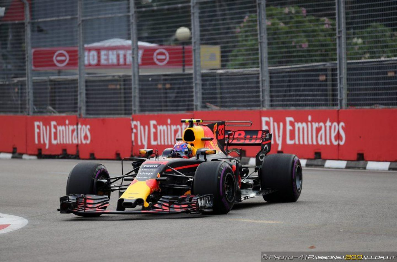 F1 | GP Singapore: Verstappen comanda in FP3, Vettel e Hamilton vicini
