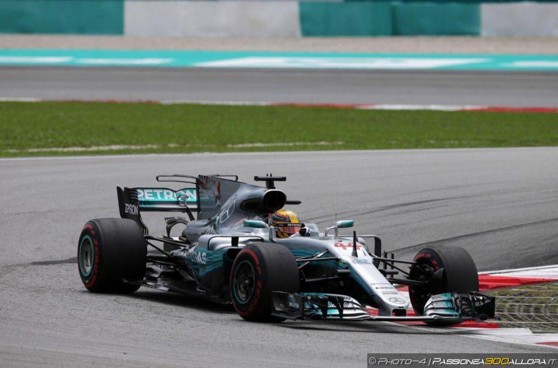 F1   GP Malesia, Hamilton pole, Kimi 2° a 45 millesimi, Vettel KO in Q1
