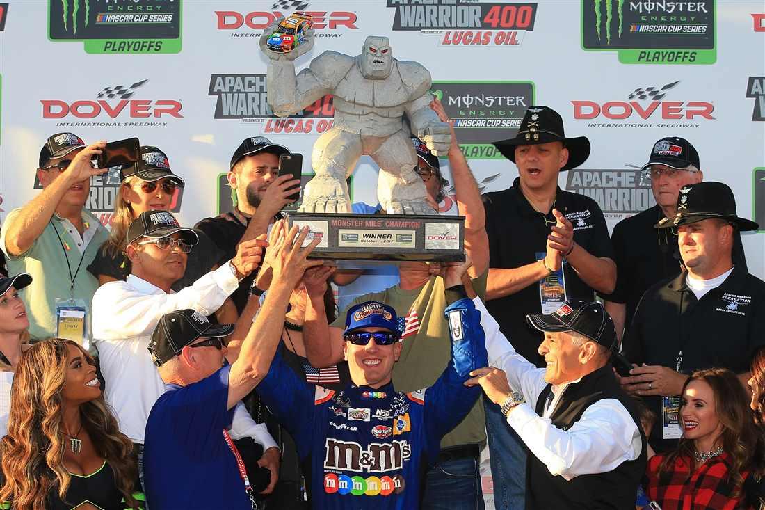 NASCAR | Kyle Busch vince anche a Dover! Elliott beffato a 2 giri dalla fine