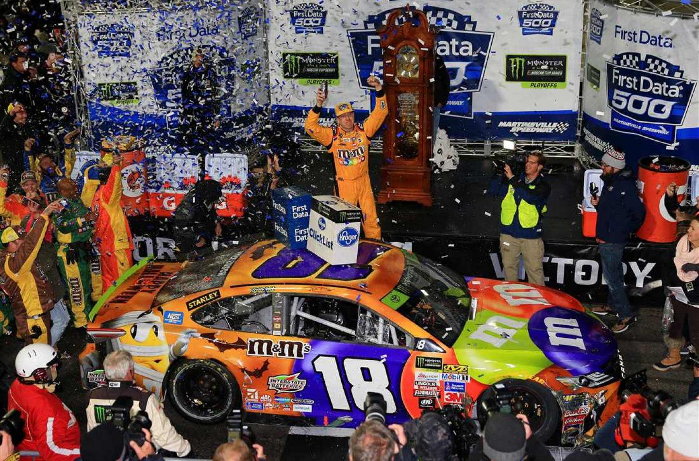 NASCAR   Kyle Busch vince a Martinsville in un finale all'O.K. Corral