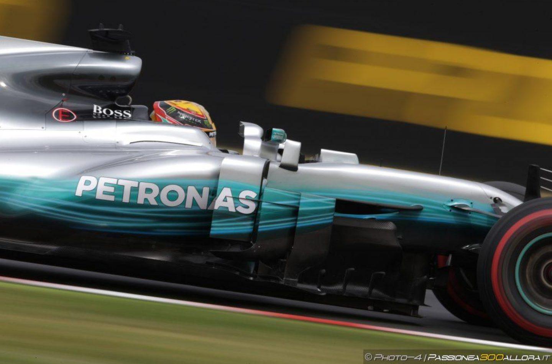 F1   GP Giappone, qualifiche: Hamilton pole con record, Vettel partirà in prima fila