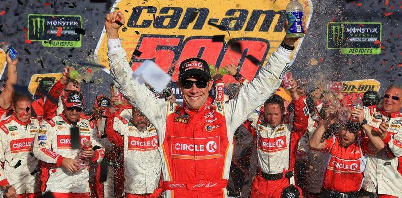 """<span class=""""entry-title-primary"""">NASCAR   Kenseth vince d'orgoglio a Phoenix, sogno infranto per Elliott</span> <span class=""""entry-subtitle"""">Hamlin finisce a muro dopo aver dominato, l'ultimo qualificato per Miami è Keselowski</span>"""