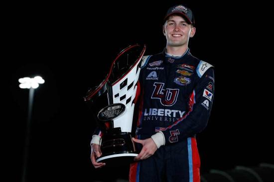 NASCAR | Byron trionfa nella Xfinity Series, Bell conquista i Truck 1