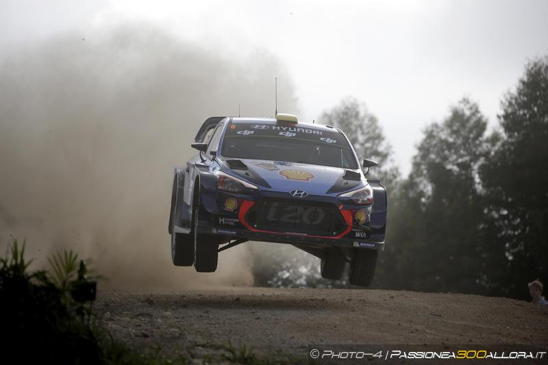 WRC   Australia: Mikkelsen leader a fine tappa, Neuville secondo