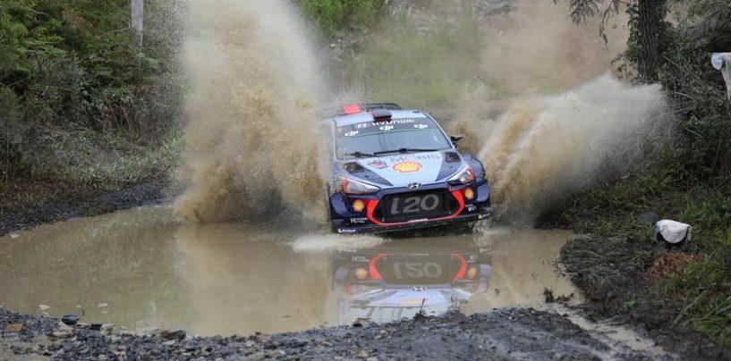 "<span class=""entry-title-primary"">WRC | Australia: Mikkelsen e Meeke out, ne approfitta Neuville</span> <span class=""entry-subtitle"">Il belga vede la quarta vittoria stagionale</span>"