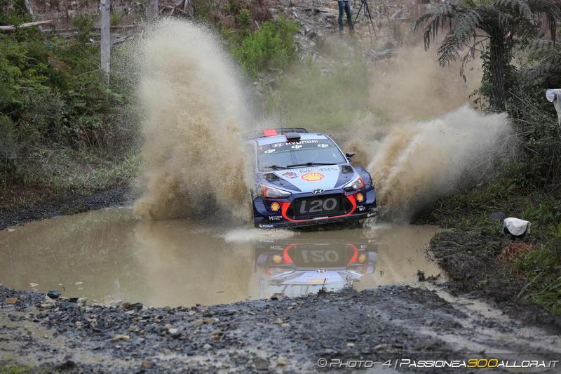 WRC | Australia: Mikkelsen e Meeke out, ne approfitta Neuville