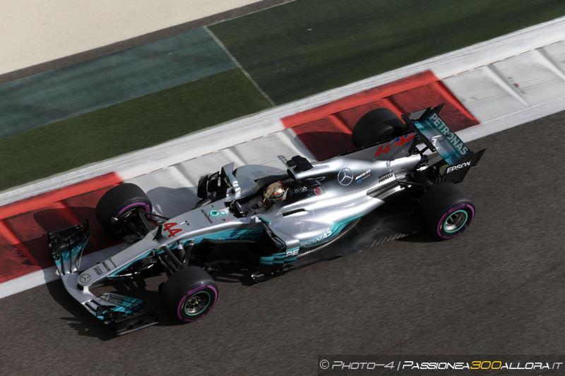 F1 | GP Abu Dhabi, Hamilton risponde a Vettel nella FP2