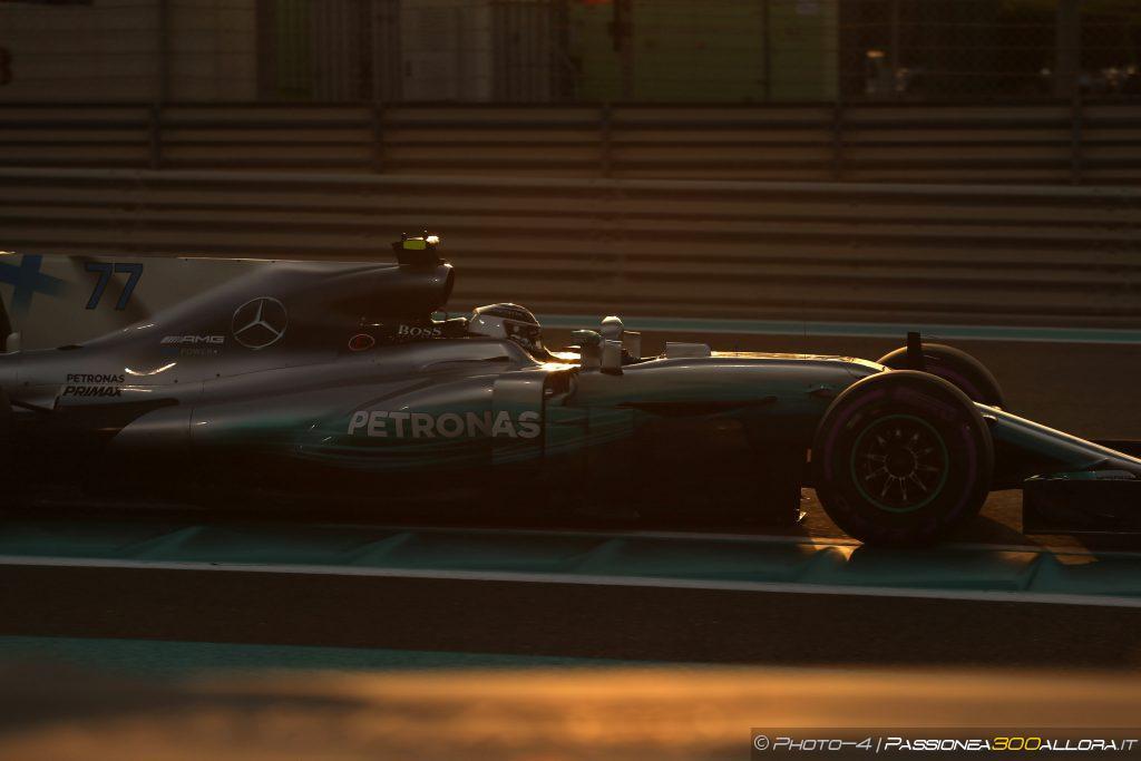 F1 | GP Abu Dhabi: Bottas chiude il 2017 con una vittoria. Hamilton precede Vettel sul podio