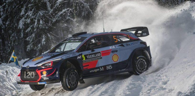 "<span class=""entry-title-primary"">WRC | Svezia: si comincia nel segno di Hyundai</span> <span class=""entry-subtitle"">Neuville e Mikkelsen in testa dopo il primo giro mattutino</span>"
