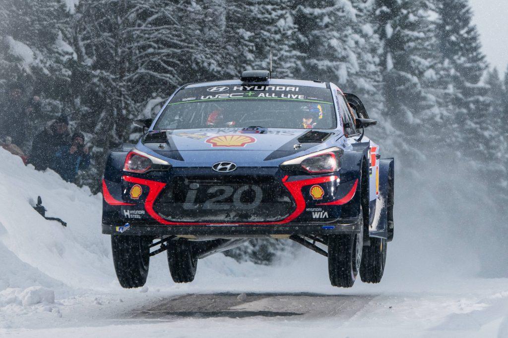 WRC | Svezia: Neuville mantiene il comando, tripletta Hyundai