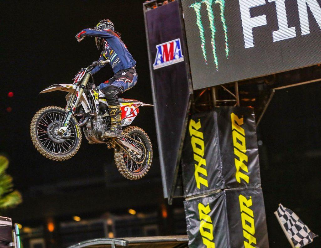 Supercross | A San Diego vince Anderson, brutta caduta per Roczen