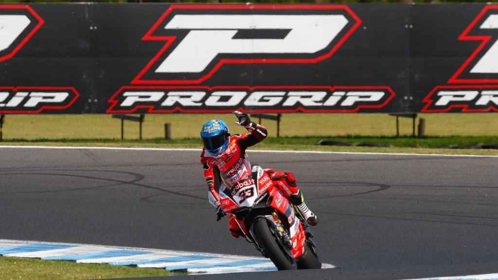 SBK | GP Australia: ancora Melandri, vittoria di forza in gara-2