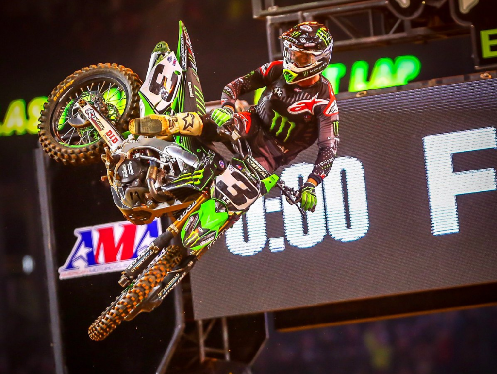 Supercross | Ad Arlington dominio di Tomac