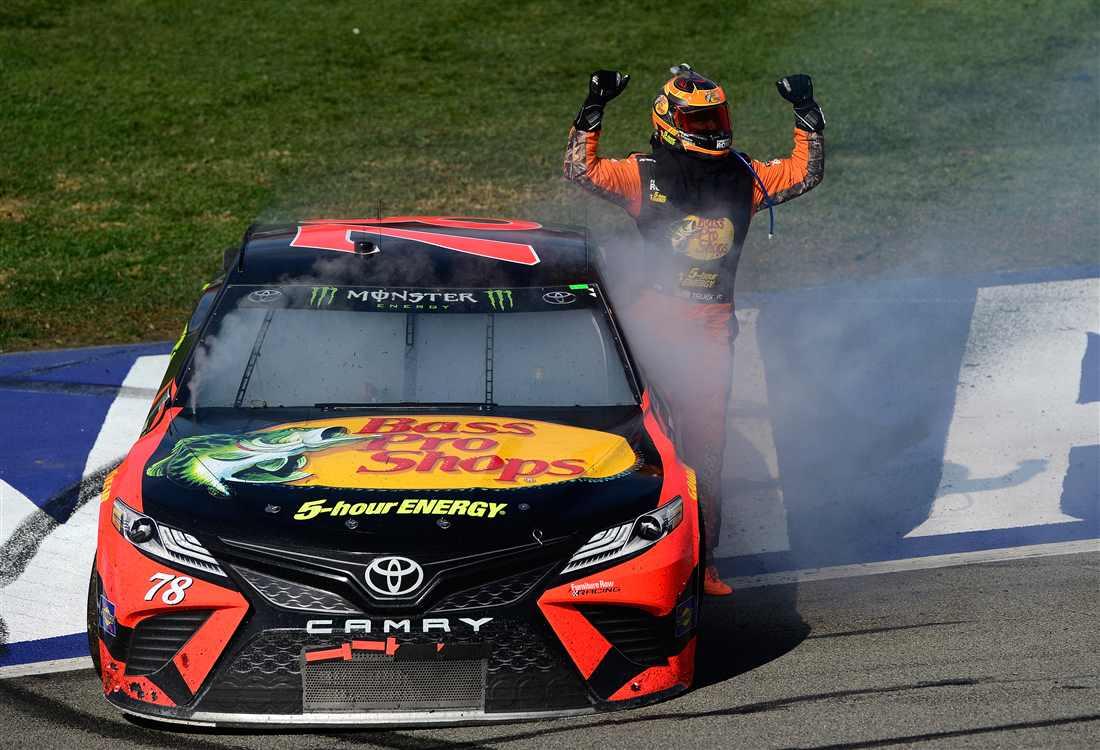 NASCAR | Il cannibale Truex ritorna alla vittoria