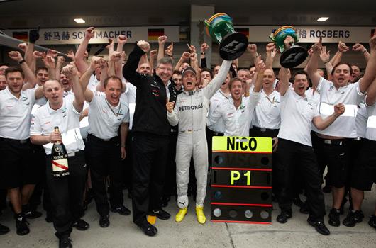 Vittoria o ritiro: la svolta Mercedes in Cina 2012