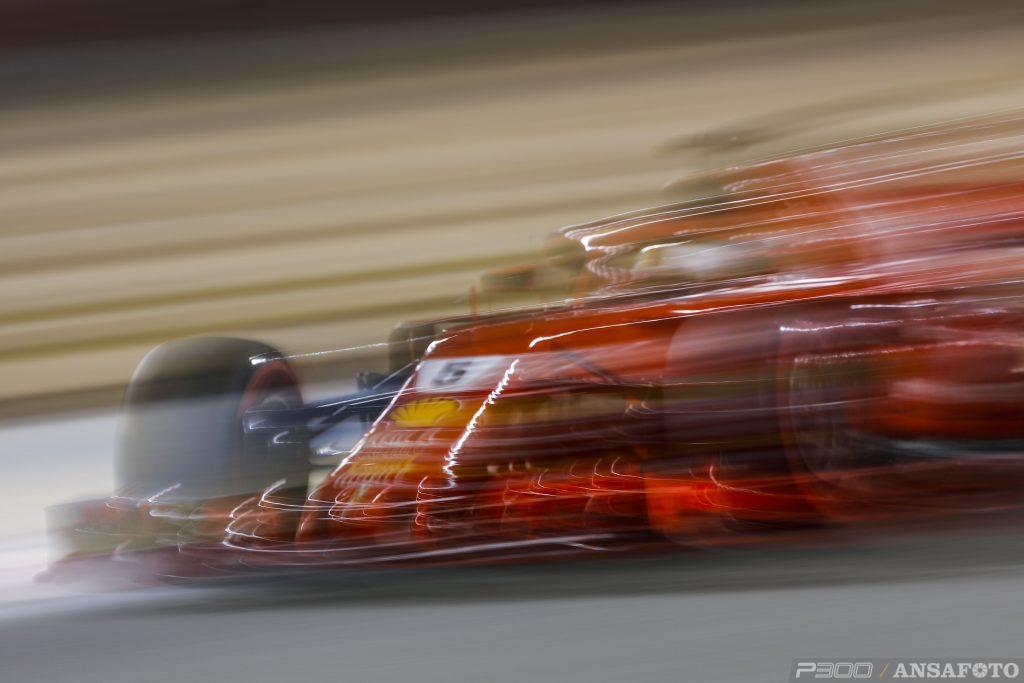 F1 | GP Bahrain, qualifiche: doppietta Ferrari Vettel - Raikkonen! Hamilton partirà 9°