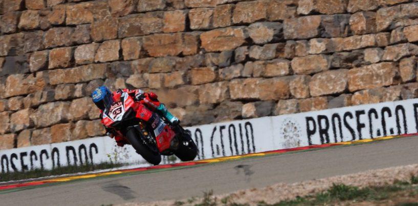 "<span class=""entry-title-primary"">SBK | GP Aragona: Melandri in pole position al Motorland</span> <span class=""entry-subtitle"">Il ravennate torna in prima posizione al sabato. Completano la prima fila le Kawasaki, giù Davies</span>"