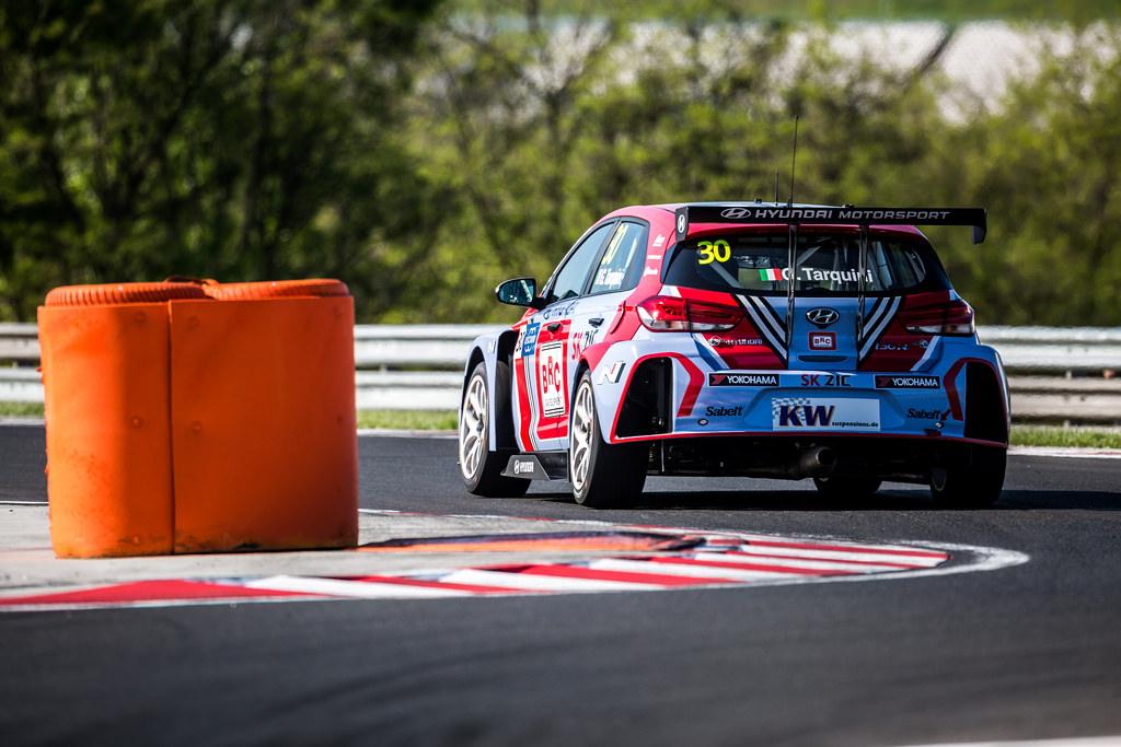 WTCR | Hungaroring: Tarquini mette la terza, Huff vince gara-2