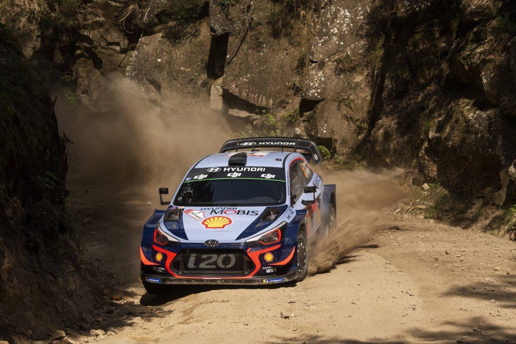 WRC | Portogallo: Neuville comanda, Ogier e Tänak ritirati