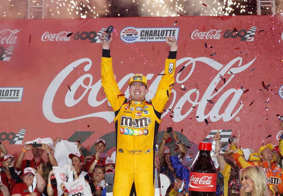 NASCAR | Kyle Busch entra nella leggenda a Charlotte