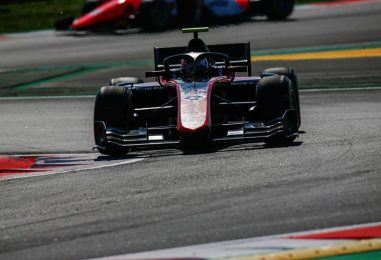F2   GP Spagna: Russell vince la feature race in volata