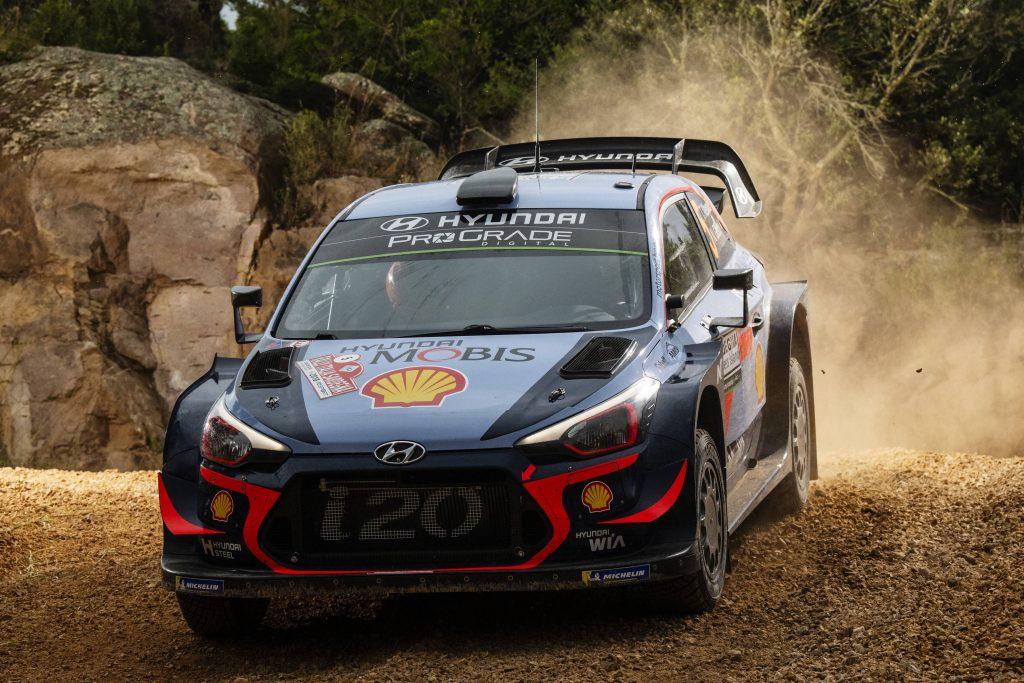 WRC | Thierry Neuville vince in volata il Rally di Sardegna