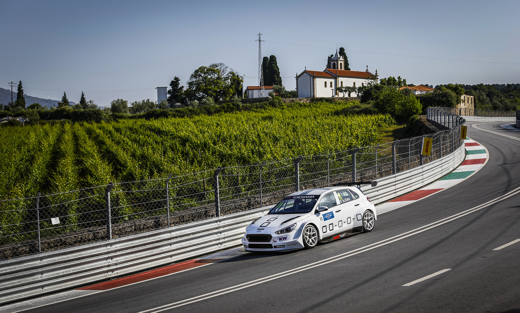 WTCR | Vila Real: quarta pole stagionale per Thed Björk