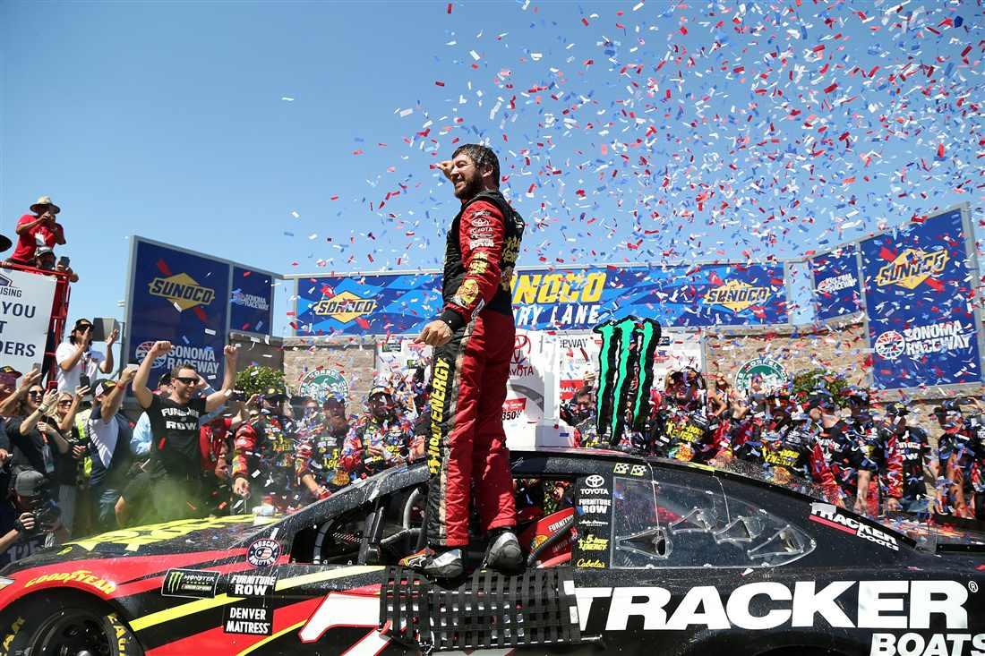 NASCAR | Capolavoro strategico di Truex a Sonoma!