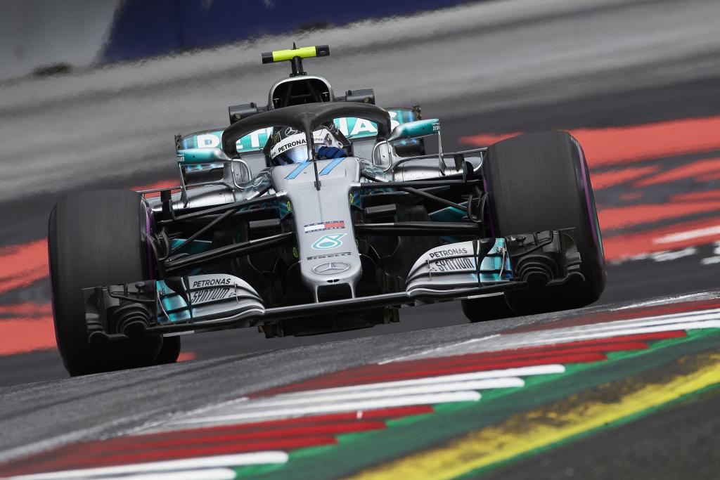 F1   GP d'Austria, pole position per Valtteri Bottas davanti a Hamilton e Vettel