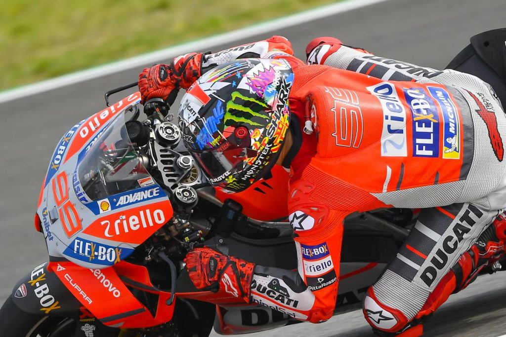 MotoGP | GP Catalunya: prima pole in rosso per Lorenzo
