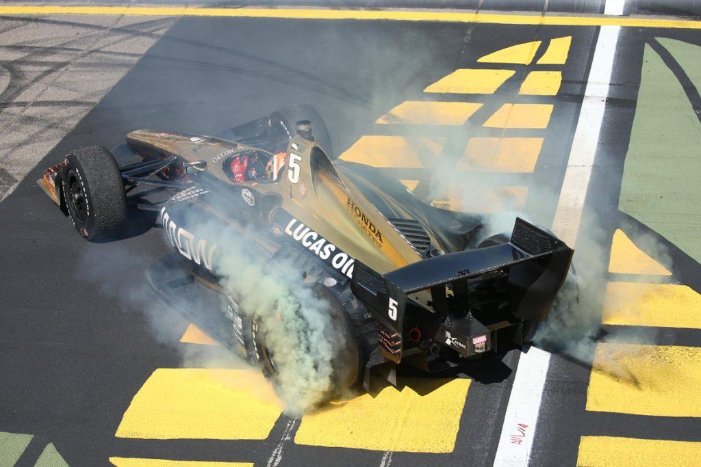 Indycar | Hinchcliffe risorge in Iowa
