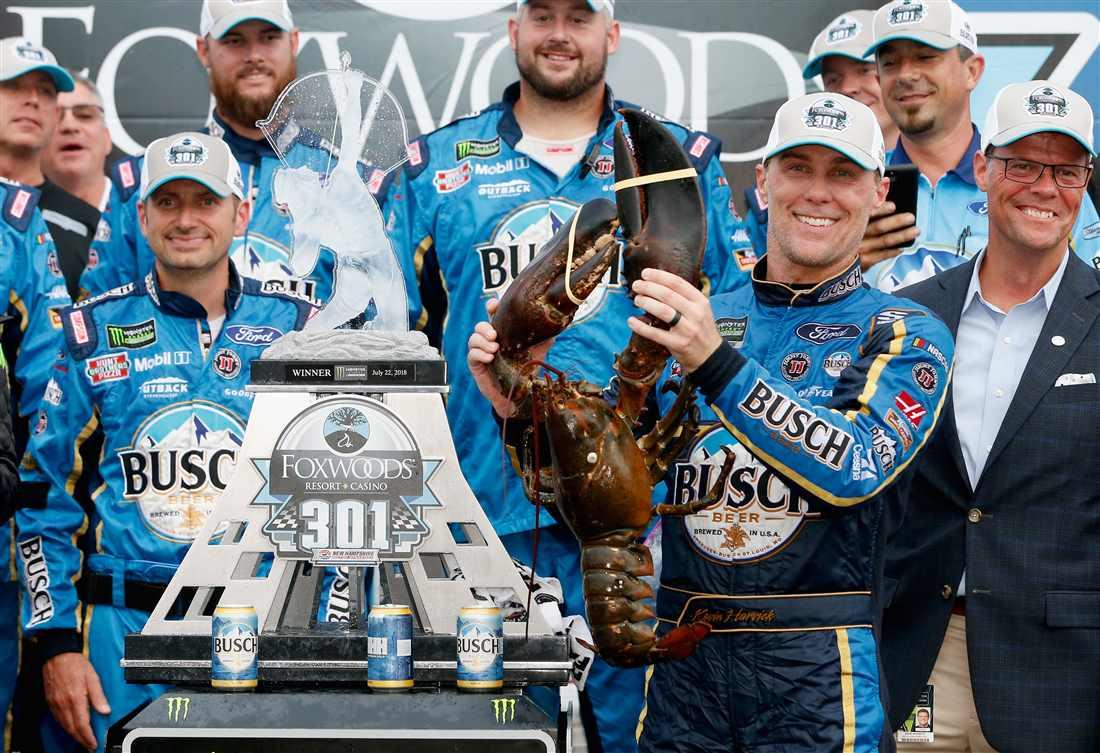NASCAR | Harvick vince di forza in New Hampshire