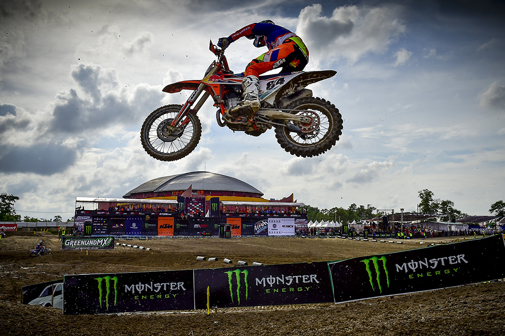 MXGP | Un Herlings bionico vince in Indonesia
