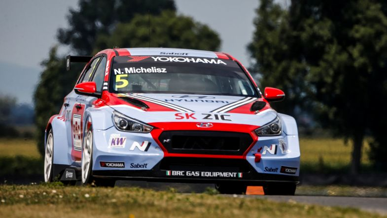 WTCR | Slovakia Ring: Michelisz precede Comte nella seconda qualifica