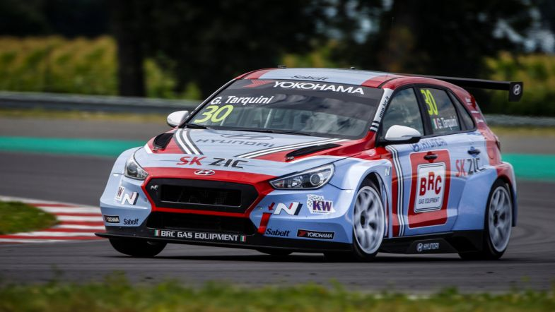 WTCR | Slovakia Ring: Tarquini torna in pole position