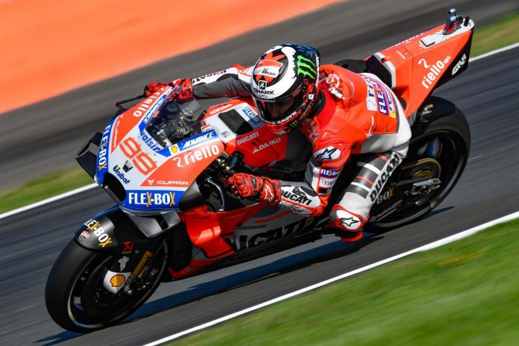 MotoGP | GP Gran Bretagna: pole position di Jorge Lorenzo davanti a Dovizioso