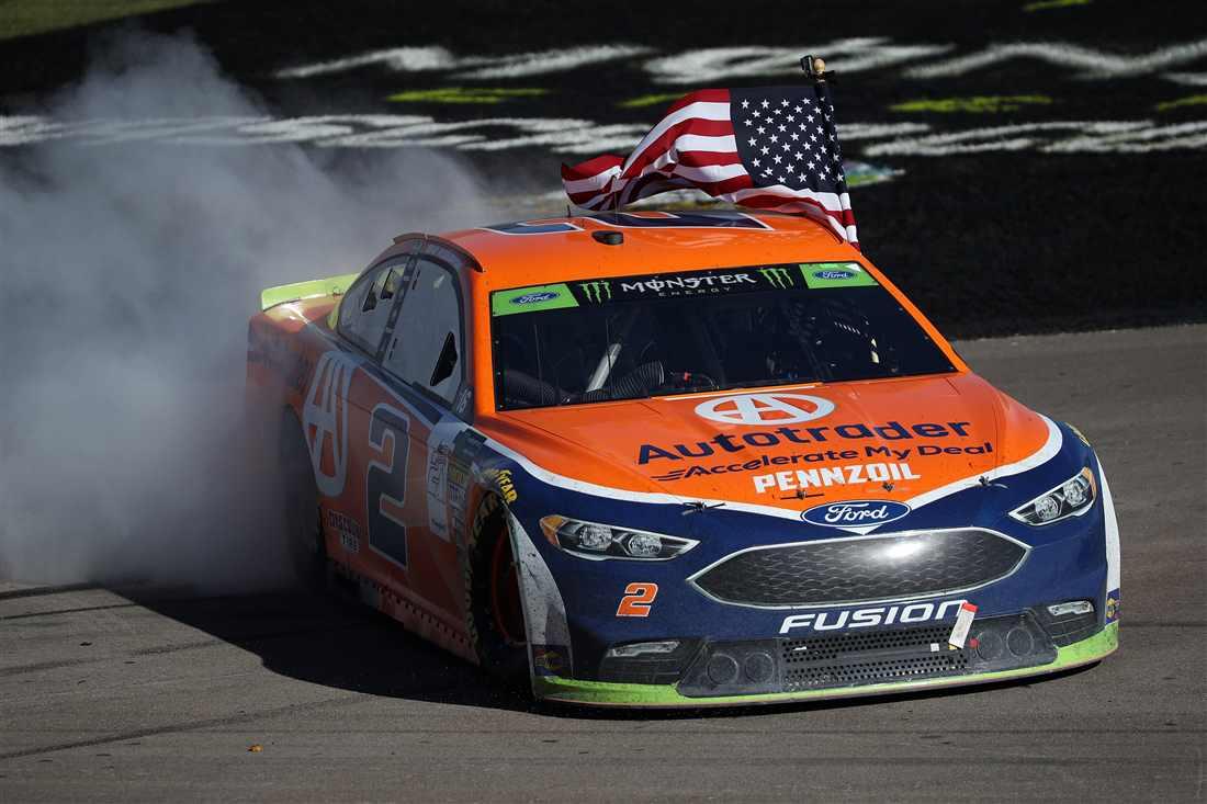 NASCAR | Keselowski scrive a Las Vegas la storia del Team Penske!