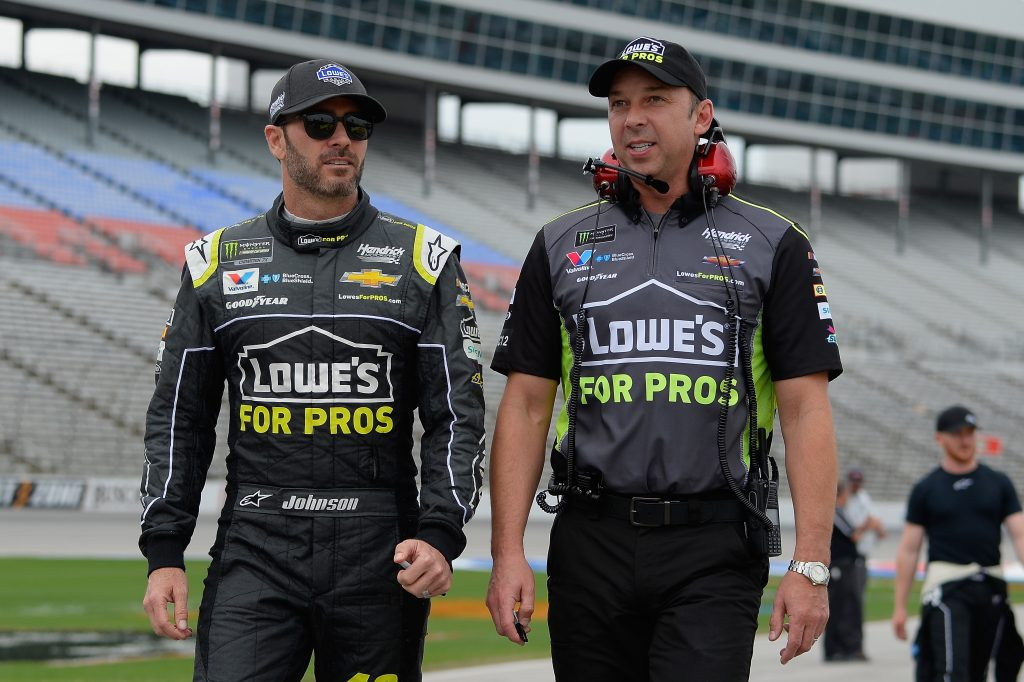 NASCAR | La coppia Jimmie Johnson - Chad Knaus si separa